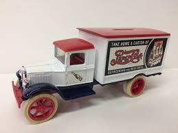 100 Ertl Trucks 7503 1931 Hawkeye Motor Truck Bank Pepsi 134