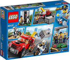 CITY 60137 TOW TRUCK TROUBLE | LEGO City At TOYS