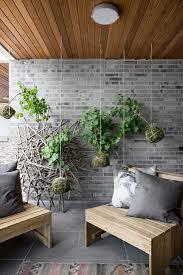 pflanzen hängen in mooskugeln vor bild kaufen 13228395
