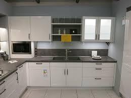 nobilia musterküche moderne landhaus küche mit alpinweißer