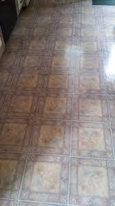 this is pattern each peel stick floor tile is one