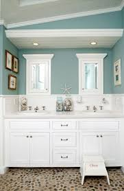 Coastal Living Bathroom Decorating Ideas by Best 25 Seaside Bathroom Ideas On Pinterest Beach Themed Rooms