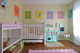 tableau chambre bébé fille design interieur chambre bebe fille deco murale tableau table basse