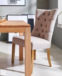 der stuhl hennig ist bequem und gleichzeitig auch ein