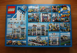 Lego City Garage 4207 With Tow Truck Cars Carwash Fuel Pumps New ...