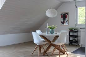 esszimmer mit schöner dachschräge wohnvision homestaging