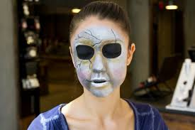 Scary Halloween Half Masks by Pretty Little Liars U0027 Halloween Diy The Scary Mask From The Show