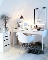 Desks For Makeup Appealing Pink Entrancing Makeup Desks With