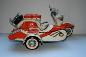 Vespa Scooter With Sidecar Collectable Classic Cars