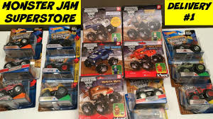 MONSTER JAM SUPERSTORE Giant Toy Delivery Monster Trucks El Toro ...