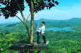 Foto Romantis Di Kalibiru Jogja