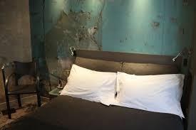 deco tapisserie chambre adulte idee deco papier peint chambre adulte le lit baldaquin cu0027est