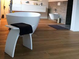 badezimmer hocker aus mineralguss weiß glänzend modell pianoro bädermax