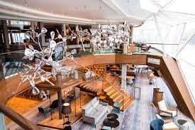 tui cruises mein schiff kreuzfahrt crew kiel deutschland