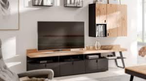 interliving wohnzimmer serie 2105 hängeschrank zh5 13 anthrazitfarbener lack balkeneiche zwei türen ein offenes fa