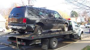Hilariously Bizarre Craigslist Ad Proves This Ford Excursion Is ...