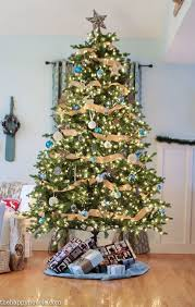 Rustic Blue And Natural Christmas Tree Decor At Thehappyhousie 2