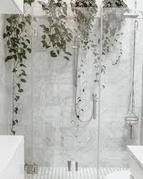 duschen statt baden dass duschen wasser spart ist klar