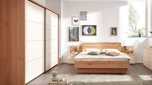 interliving schlafzimmer serie 1013 komplettzimmer mit flexleuchten balkeneiche sand schwebetürenschrank