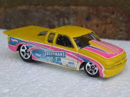 100 Pro Stock Truck Hot Wheels Yellow Chevy 2011 HW Drag Racer