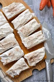 leichter möhrenkuchen mit frischkäsetopping