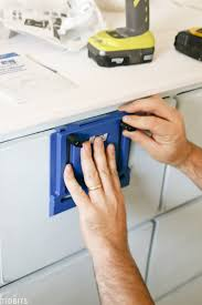 Richelieu Cabinet Hardware Template by Cabinet Hardware Jig Kreg Furniture Cabinet Door Handle Jig How