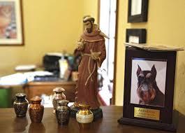 Oklahoma City pet funeral home focuses on human side