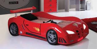chambre voiture garcon lit voiture enfants