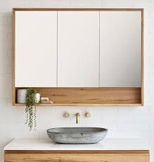 loughlin furniture timber rasierschrank mit 3 türen und