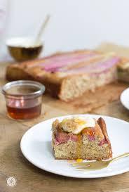 rhabarber ahornsirup kuchen mit mandelcreme no sugar baby