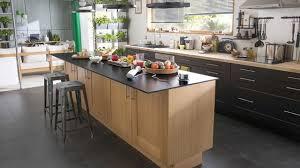 cuisine avec ilots cuisine avec îlot central avantages et inconvénients côté maison