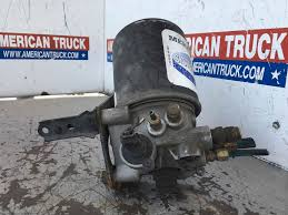 100 Truck Air Dryer Used Meritorious Wabco For 2006 Volvo VN610 For Sale