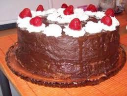 erdbeer schoko torte mit sahne