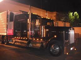 Light Up The Night In This Kenworth | Trucknup | Pinterest | Biggest ... Httpwwwrgecarmagmwpcoentgallylcm_southern_classic12 1695527 Acrylic Pating Alrnate Version Artistorang111 Bat Semi Truck Lights Awesome Volvo Vnl 670 780 Led Headlights Fog Light Up The Night In This Kenworth Trucknup Pinterest Biggest Round Led And Trailer 4 Braketurntail Tail For Trucks Decor On Stock Photos Oukasinfo Modern Yellow Big Rig Semitruck With Dry Van Compact Powerful Photo Royalty Free Blue Design Bright Headlight And Flat Bed Image
