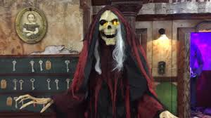 Spirit Halloween Richmond Va by Spirit Halloween 2016 Willow Lawn Youtube