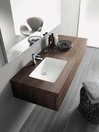 badmöbel mit oberflächen aus eiche und nussbaum bad und