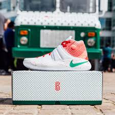 Nike And Krispy Kreme Make For An Unlikely Sneaker Collaboration ... Huge Rat Runs Off With Krispy Kreme Doughnut Across Car Park As Nike Teams Up With Krispy Kreme For Special Edition Kyrie 2 From The Ohio River To Twin City North Carolina Nike And Make For An Unlikely Sneaker Collaboration Greenlight Colctibles Hitch Tow Series 4 Set Nypd Doughnuts Plastic Delivery Truck Van Coffee Tea Cocoa Close Blacksportsonline Amazoncom 164 Hd Trucks 2013 Intertional Full Print Freightliner Sprinter Wrap Car