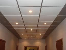 rouleau pour peinture plafond quel rouleau pour peindre plafond 5 materiaux pour realiser un