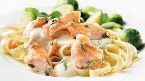 comment cuisiner la truite fettuccinis à la truite saumonée recettes iga pâtes poisson
