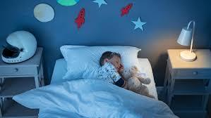 so schaffen sie die optimale schlaftemperatur für babys