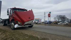 100 Tow Truck Accident Grand Haven Tribune 2 Hurt In Crash With Tow Truck West Of Coopersville