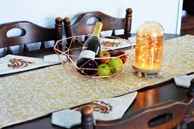 Small Kitchen Table Decorating Ideas by Trendy Dining Table Decor Ideas For Small Tables