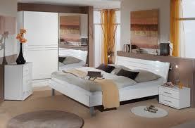 les chambres blanches modele de chambre a coucher blanche idées de décoration capreol us