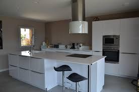 cuisine e cuisine quip e sur mesure design traditionnelle ste equipee blanc