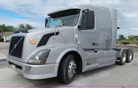 2010 Volvo VNL Semi Truck | Item J7515 | SOLD! May 19 Truck ...