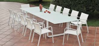 Averon Transitional White Glass Extendable Dining Table Cult Living Ladbroke Outdoor Ding Armchair Black Polywood Tek Memoir Chair Rjid Midcentury Modern Steel Patio Set Summer Classics Skye Side White Leather Chairs Contemporary Script 5piece Metal With Slatted Faux Wood And Stackable Modway On Sale Eei2259slvblk Shore Alinum Only Only 16930 At Fniture Warehouse Polywood Bayline Satin Allweather Plasticsling Arm In Poolside Shell Shell Collection Fueradentro Design Wicker