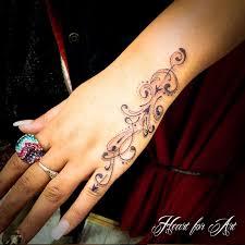 Tattoo 9i Pretty Hand Designs
