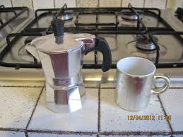 To Use Put The Correct Amount Of Medium Ground Espresso Grounds Into Top Section Press Gently But Do Not Compact
