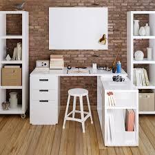 bureau blanc avec rangement 25 idées déco d un bureau maison nos astuces pour le mettre en valeur