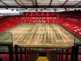 Manchester United On Twitter Work Continues The Old Trafford Pitch Ahead Of 2016 17 Season Mufc